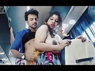 hardcore Chalti Bus Me Desi Bhabhi Ki Chuday milf indian